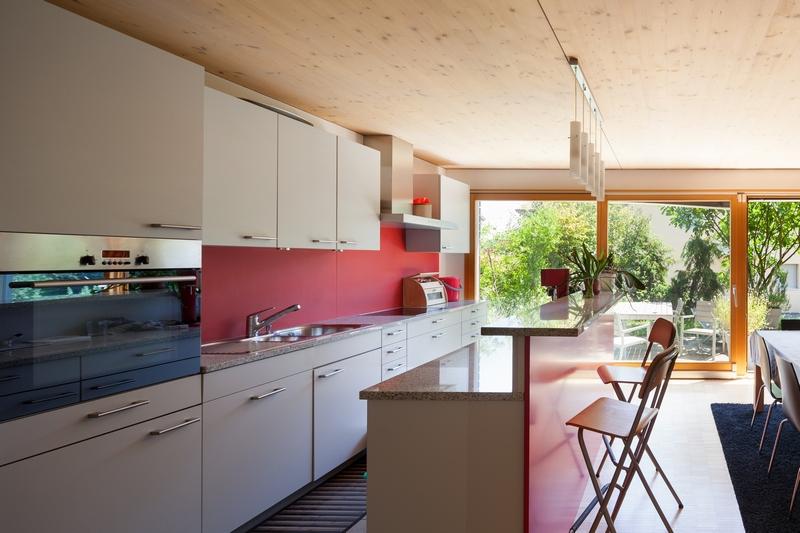 Крытая летняя кухня